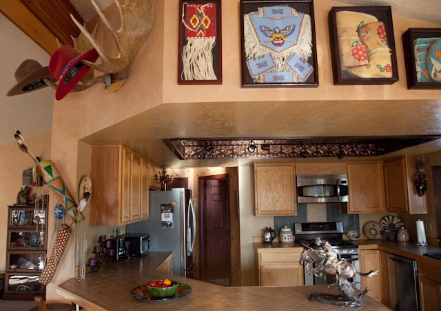 Home decorating with native american style native living for Native american interior design